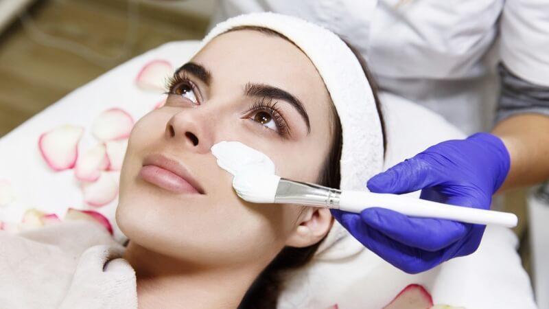 Gesichtsbehandlung - Sissi Cosmetics - Hilton Plaza Vienna - 1010 Wien